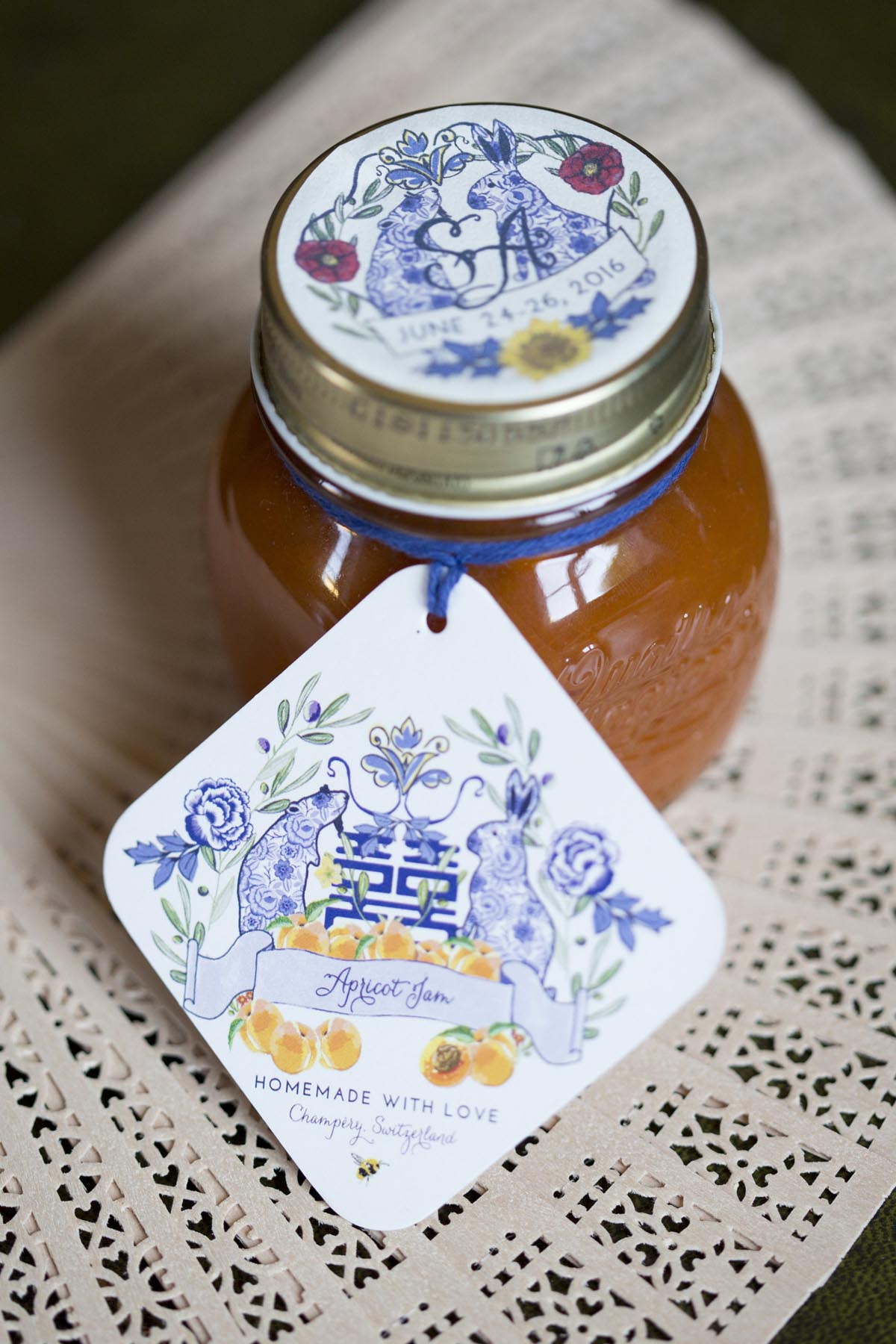 Tuscany-wedding-marmalade-jam-favors-with-a-chinese-symbol-label
