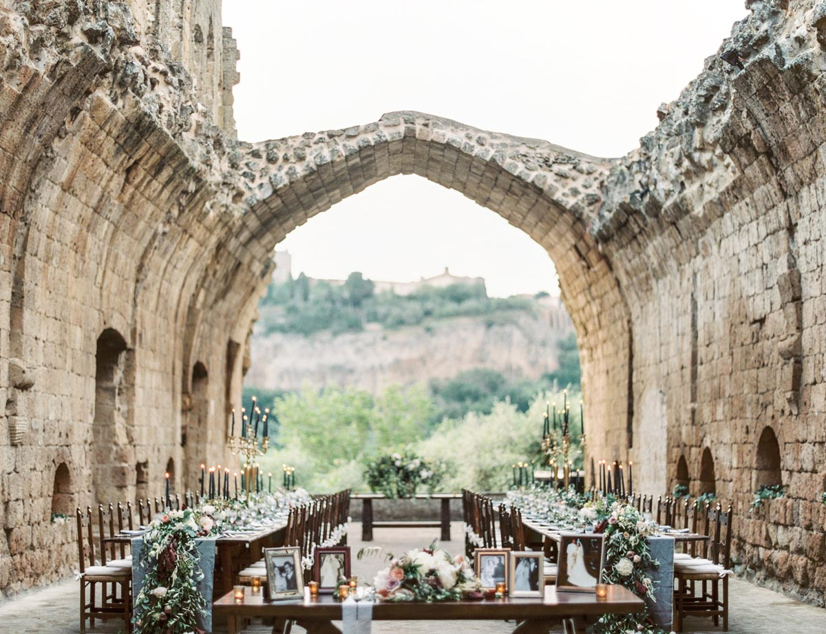 Tuscany-castle-wedding-dinner-area