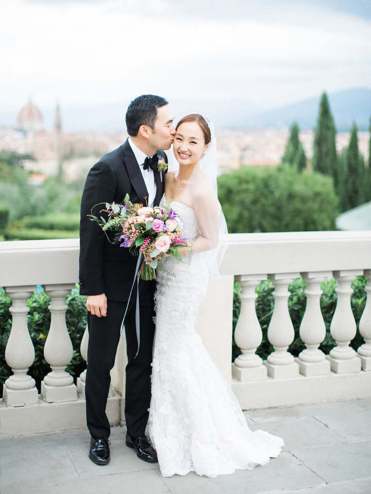 Korean-wedding-with-bride-groom-on-terrace-of-villa-la-vedetta