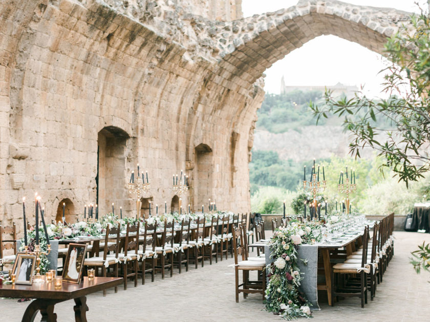 Tuscany-Italy-wedding-venue-for-luxury-and-Catholic-or-symbolic-or-Jewish-or-Indian-Hindu-ceremonies