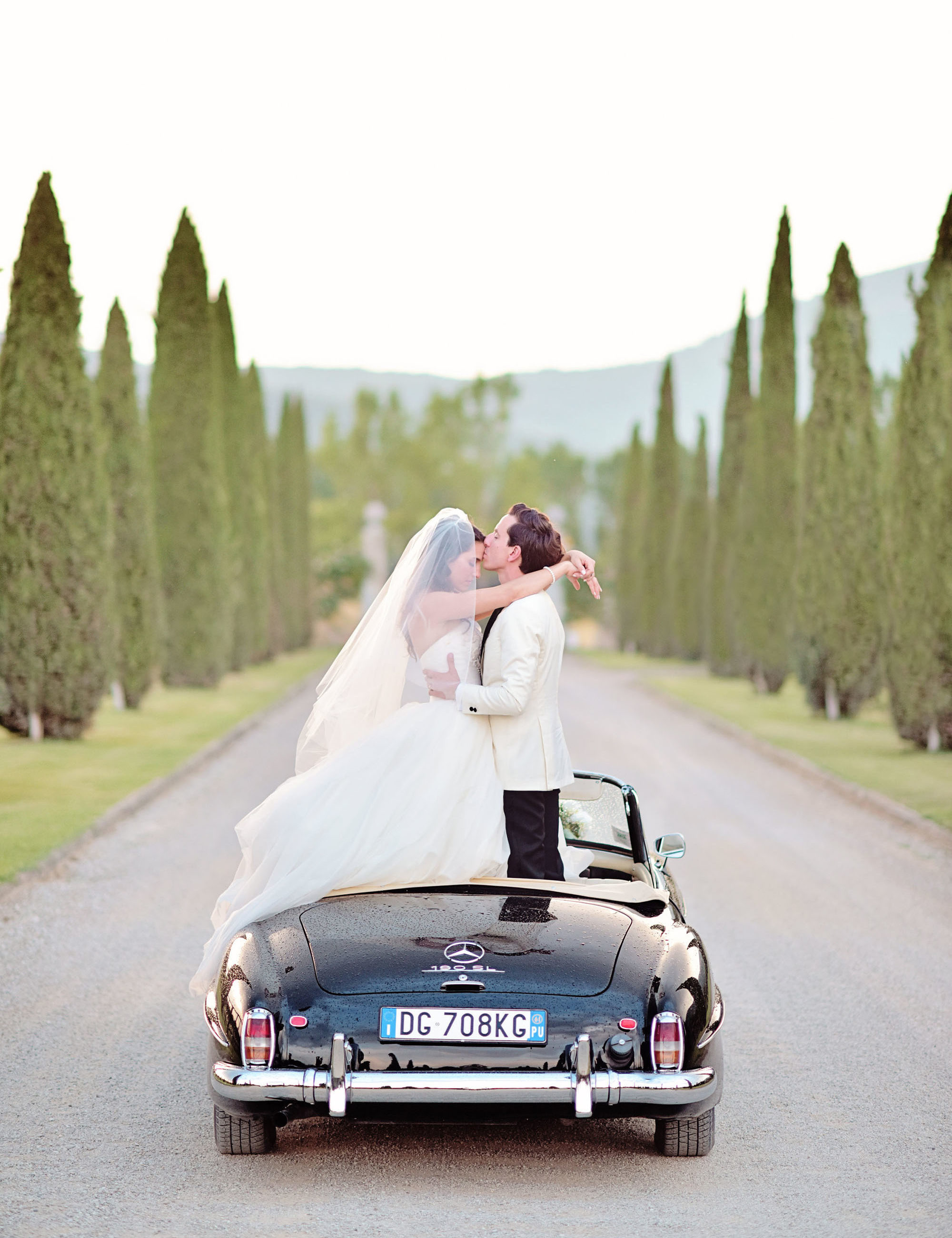 Il Borro Tuscany luxury wedding vintage car