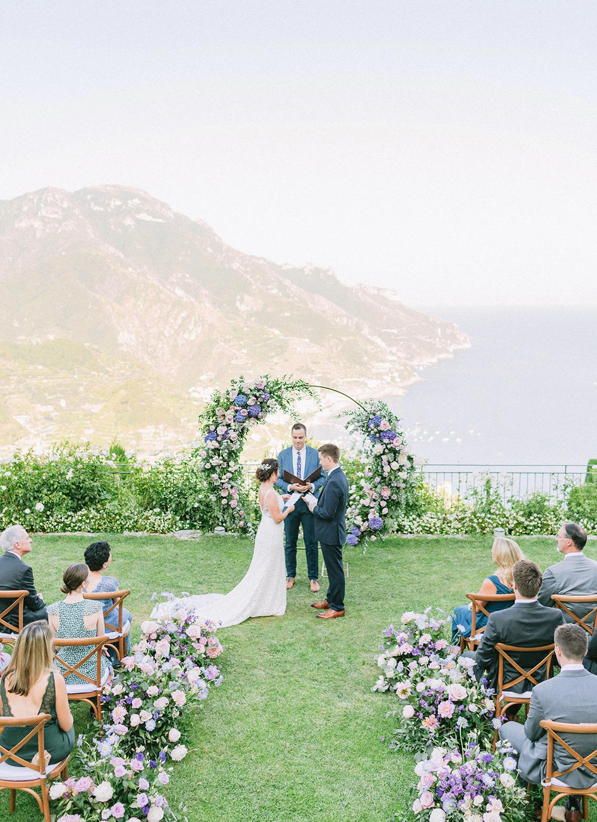 Amalfi-Coast-garden-wedding-with-sea-view-and-floral-wreath